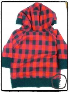 赤黒パーカー (1)