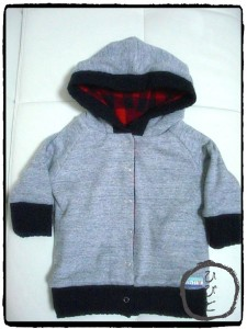 赤黒パーカー (2)